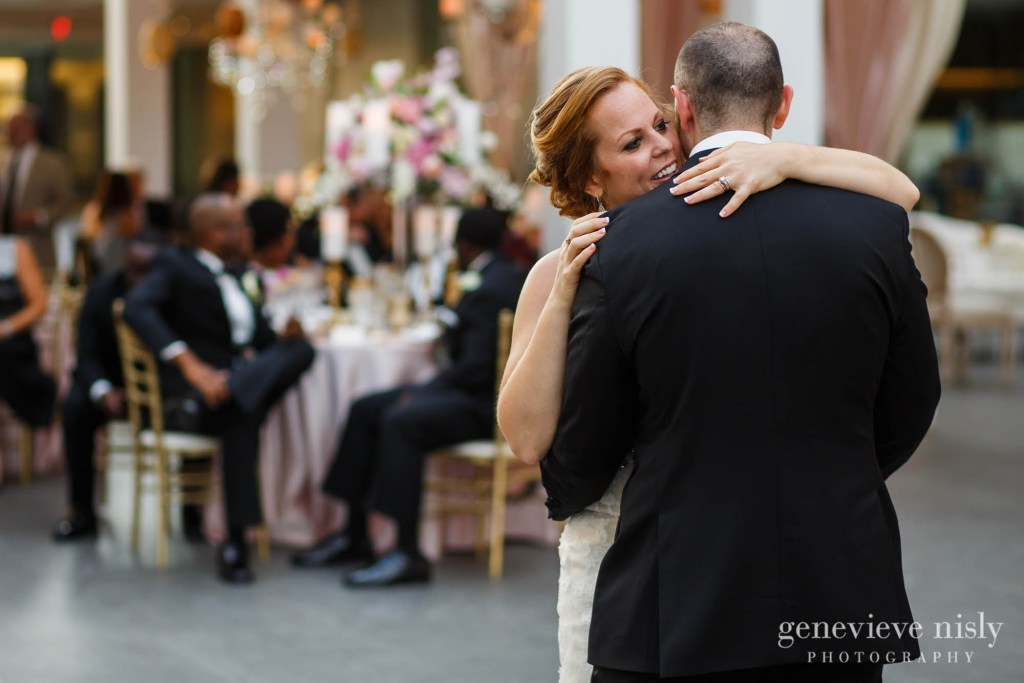 steven-beth-038-museum-of-art-cleveland-wedding-photographer-genevieve-nisly-photography