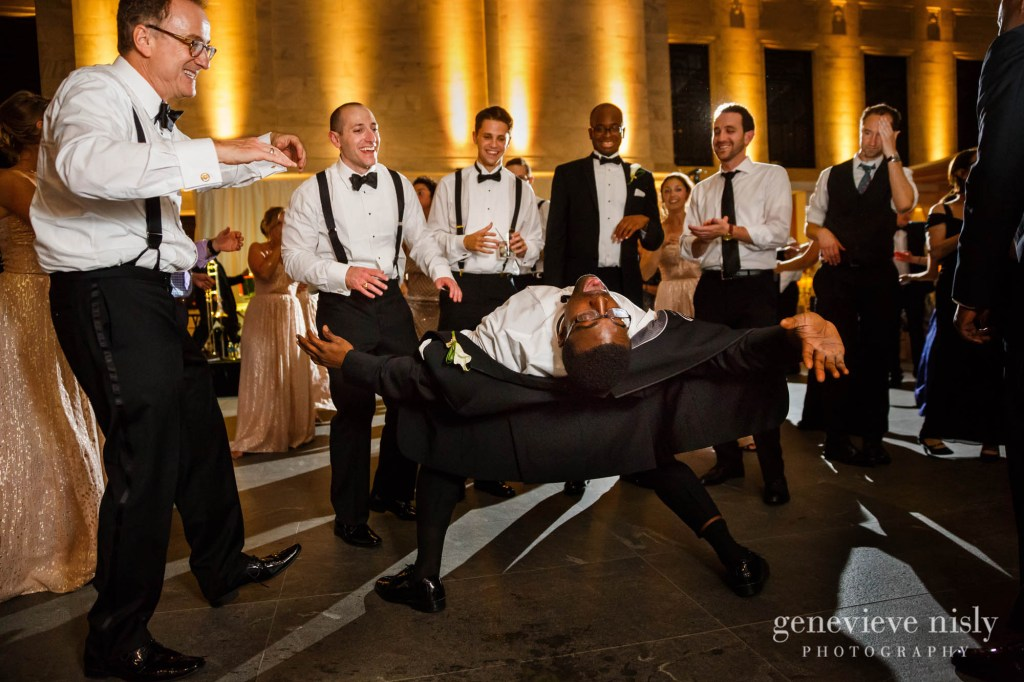 steven-beth-047-museum-of-art-cleveland-wedding-photographer-genevieve-nisly-photography