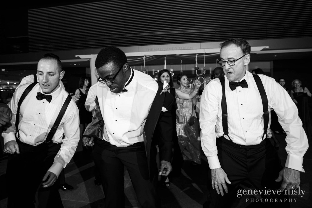 steven-beth-049-museum-of-art-cleveland-wedding-photographer-genevieve-nisly-photography