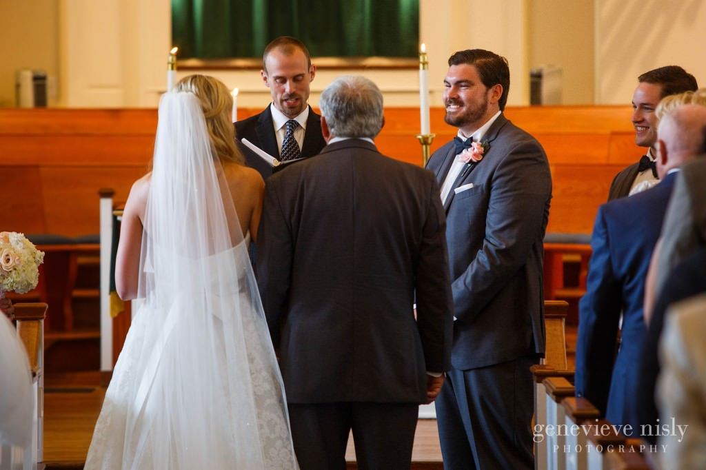 Canton, Church of the Lakes, Copyright Genevieve Nisly Photography, Summer, Wedding