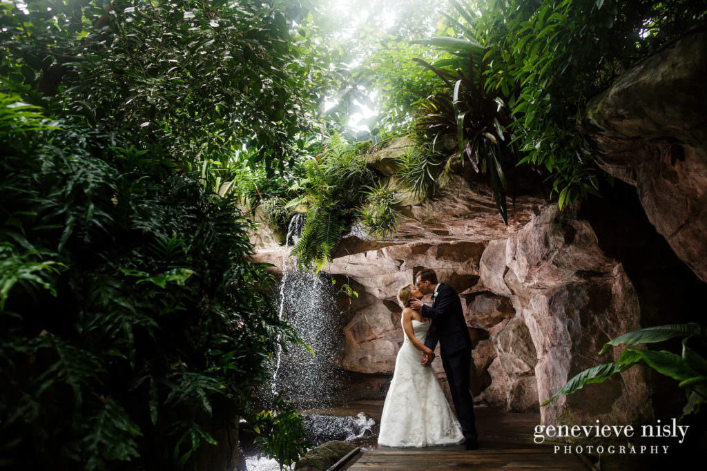 Botanical Gardens, Cleveland, Copyright Genevieve Nisly Photography, Ohio, Spring, Wedding