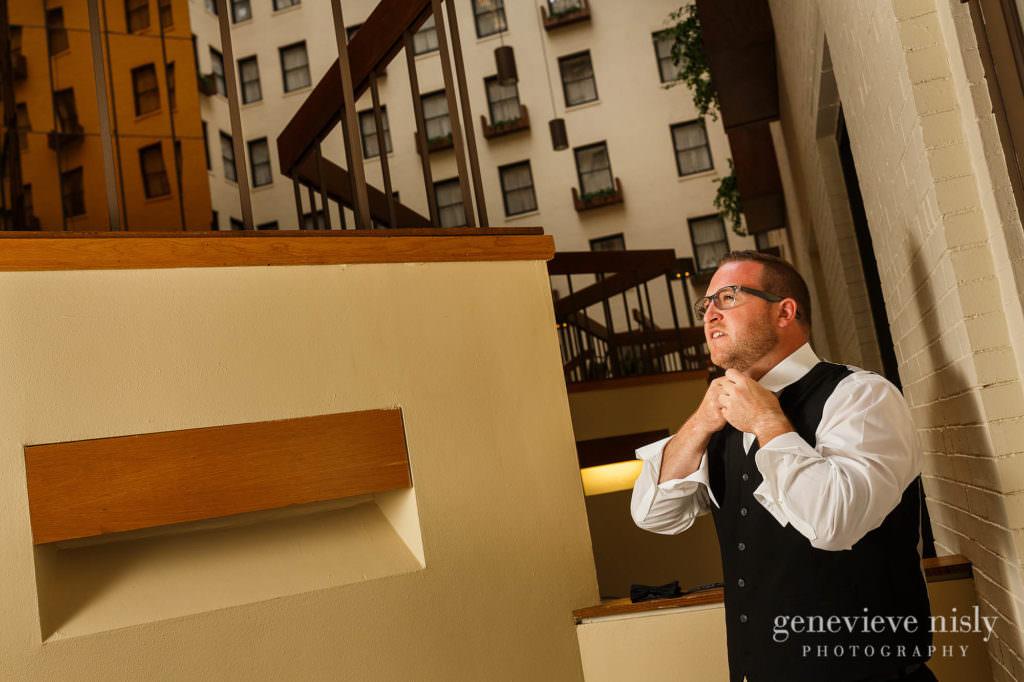 Alyssa-Brian-004-renaissance-hotel-cleveland-wedding-photographer-genevieve-nisly-photography