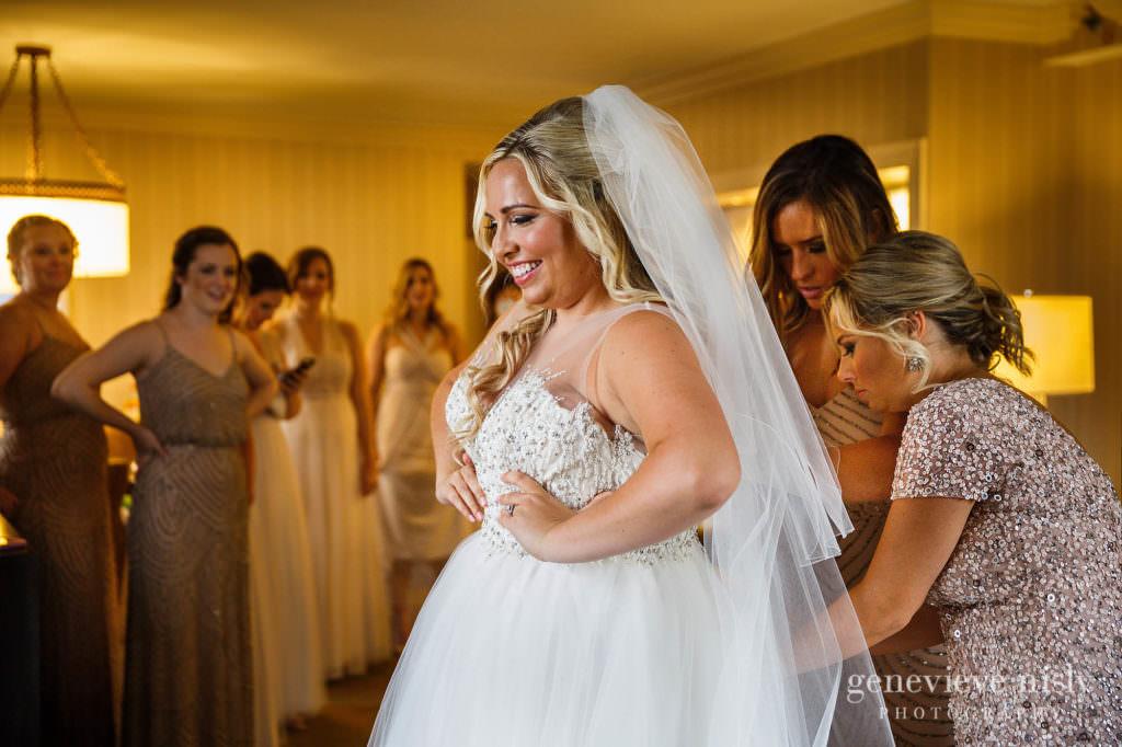 Alyssa-Brian-008-renaissance-hotel-cleveland-wedding-photographer-genevieve-nisly-photography