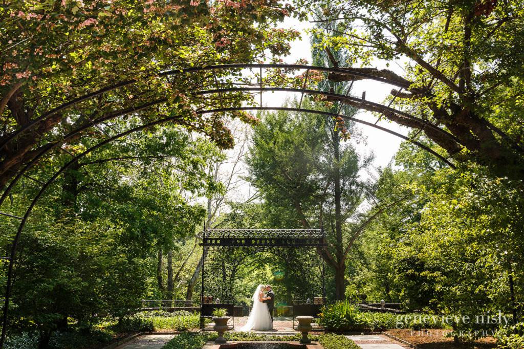 Alyssa-Brian-020-cultural-gardens-cleveland-wedding-photographer-genevieve-nisly-photography