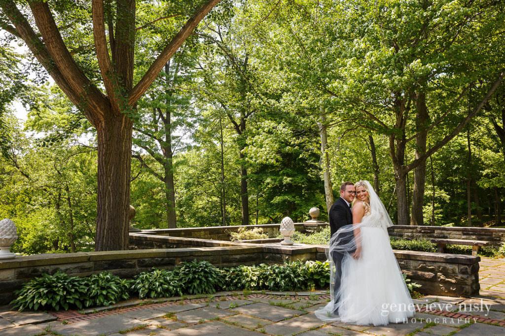 Alyssa-Brian-021-cultural-gardens-cleveland-wedding-photographer-genevieve-nisly-photography