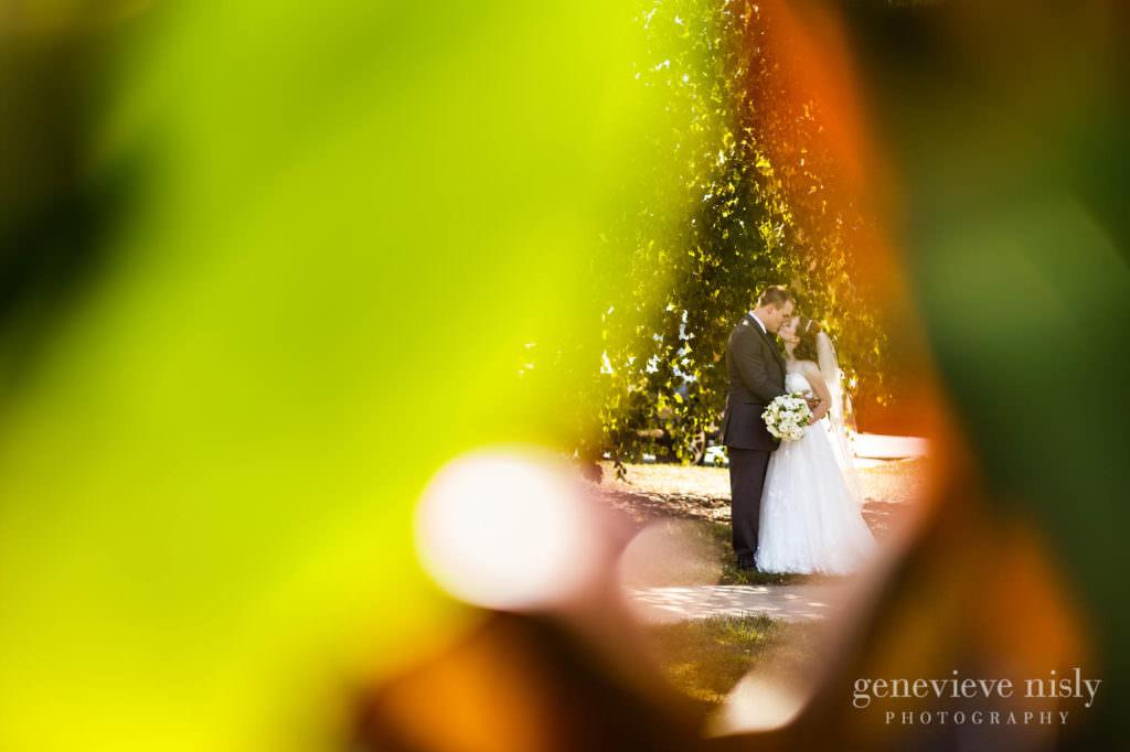 meghan-kyle-021-downtown-kent-wedding-photographer-genevieve-nisly-photography