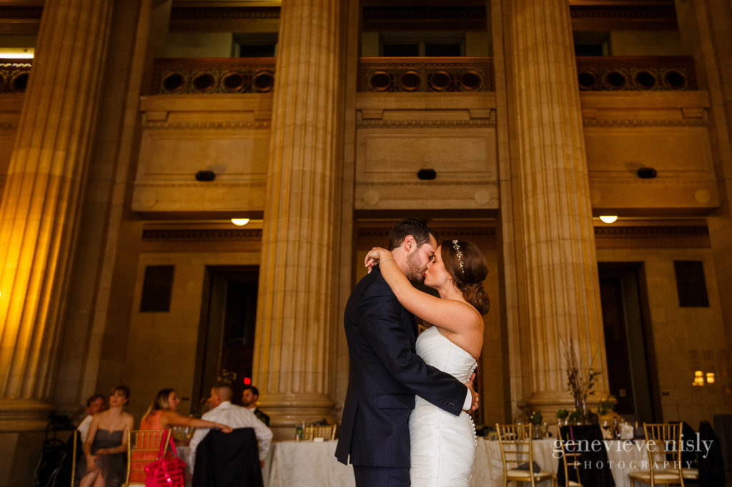 lauren-craig-049-city-hall-rotunda-cleveland-wedding-photographer-genevieve-nisly-photography