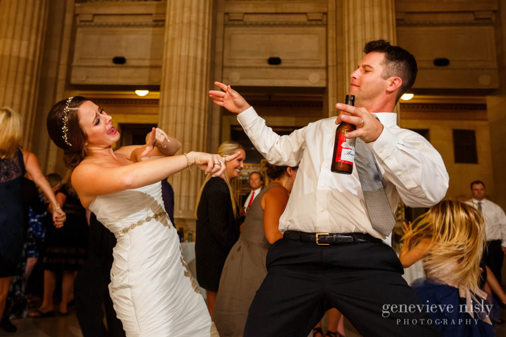 lauren-craig-055-city-hall-rotunda-cleveland-wedding-photographer-genevieve-nisly-photography
