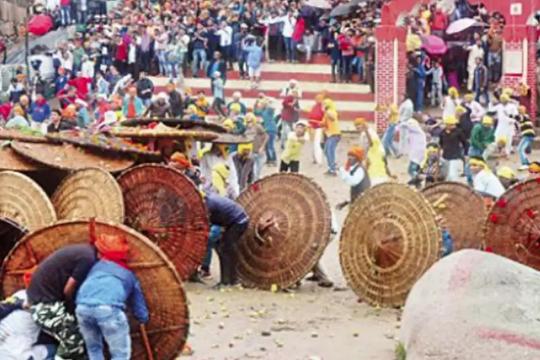 Sambutan Festival Baling Batu Di India Undang Padah 1
