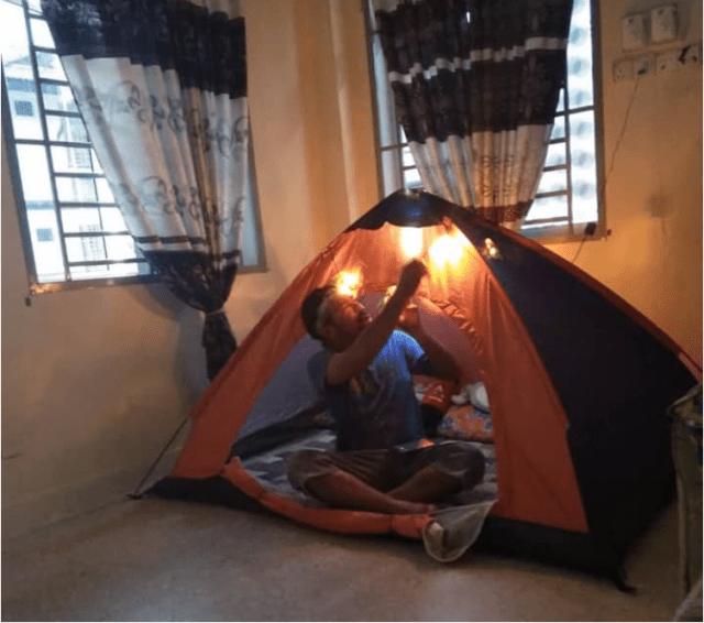 [Foto] Tepu Duduk Di Rumah, Rakyat Malaysia Bercamping Dalam Rumah Hiburkan Hati 10