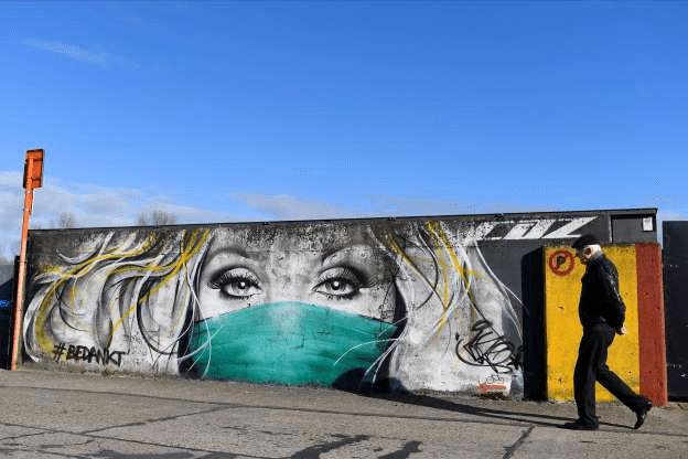 [Foto] Hebah Kesedaran Bahayanya COVID-19 Melalui Graffiti 11