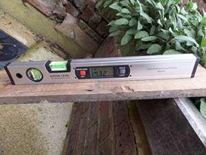 Magnétique Niveau à bulle numérique mesureur d'angles 400mm (16″) Inclinomètre debout version grande taille.