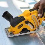 URCERI 500W Mini Scie Circulaire 7000 RPM Haute Puissance Guide Laser Profondeur de Coupe 25MM, Lames HSS, TCT et Diamant de 20/20 Dents, 80/20 Dents, 2m Câble, Poignée à Poignée Souple Inclues