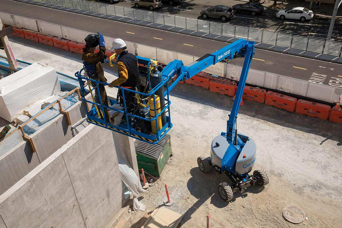 medium resolution of genie z 45 25 xc articulating boom lift