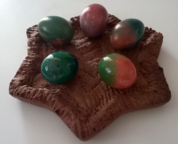 Come colorare le uova – Segnaposto di Pasqua | Genitorialmente
