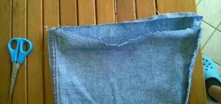Come fare un porta ombrellone con vecchi jeans | Genitorialmente