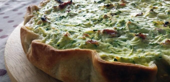 Cena veloce e appetitosa: torta salata zucchine pancetta | Genitorialmente