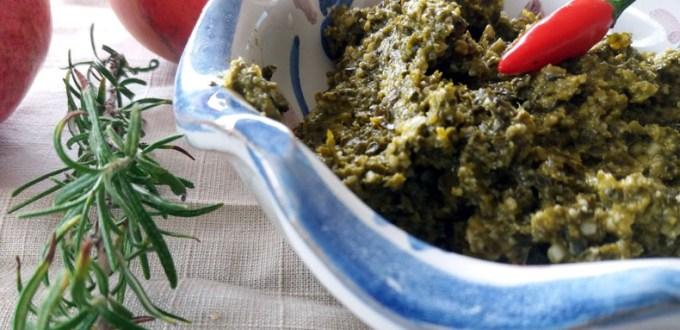Pesto di cavolo nero: Condimenti originali per la pasta | Genitorialmente