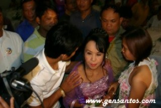 Manny escorting Dionisia Pacquiao
