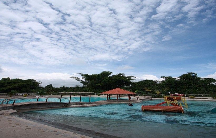 DOLORES FARM RESORT POOL