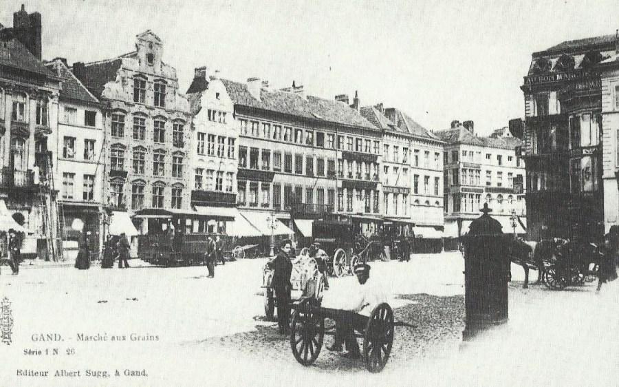 De Korenmarkt rond 1900.