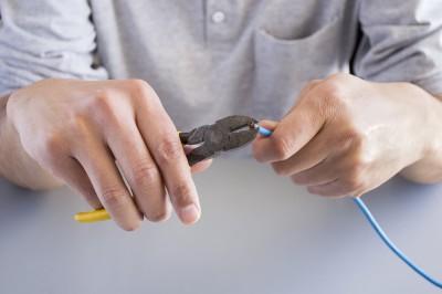 Orinda Electrician cutting wires