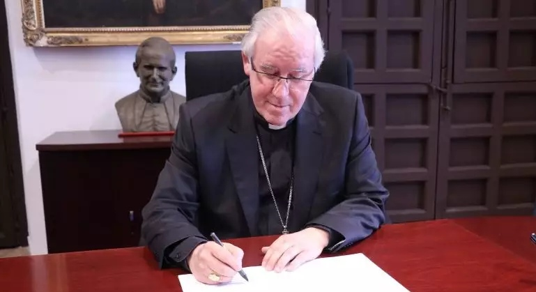 Monseñor Saiz: «La Iglesia no se ha apropiado de ningún bien que no sea suyo y ha actuado con rigor» | «¿Alguien puede pensar que la Catedral de Sevilla no es propiedad de la Iglesia? No pertenece al obispo ni al clero sino a toda la comunidad eclesiástica, incluidos los seglares»