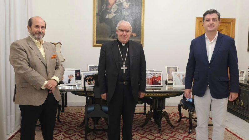 El arzobispo de Sevilla da su bendición a la magna exposición 'Jubilar Rocío'
