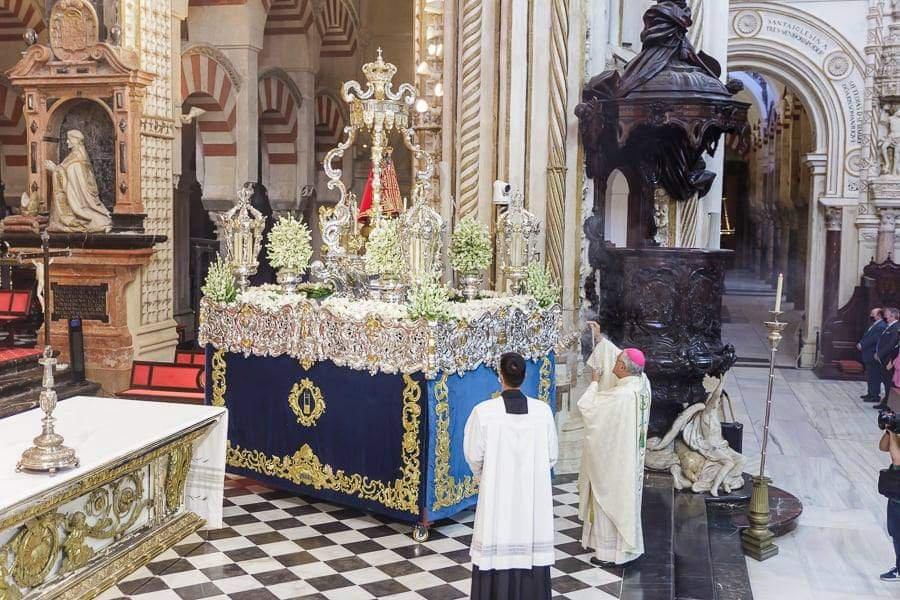 Demetrio Fernández: «Tenemos ganas todos de salir a la calle y profesar nuestra fe cristiana, aunque nos pongan a un kilómetro uno de otro. ¡No nos recluyan en la Iglesia y en las sacristías! ¡Que la fe es pública y hay que manifestarla en público!