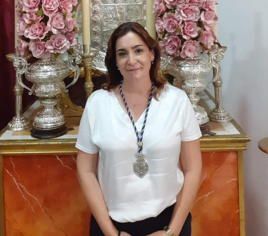 Rosa María Amaya, hermana mayor electa del Juncal