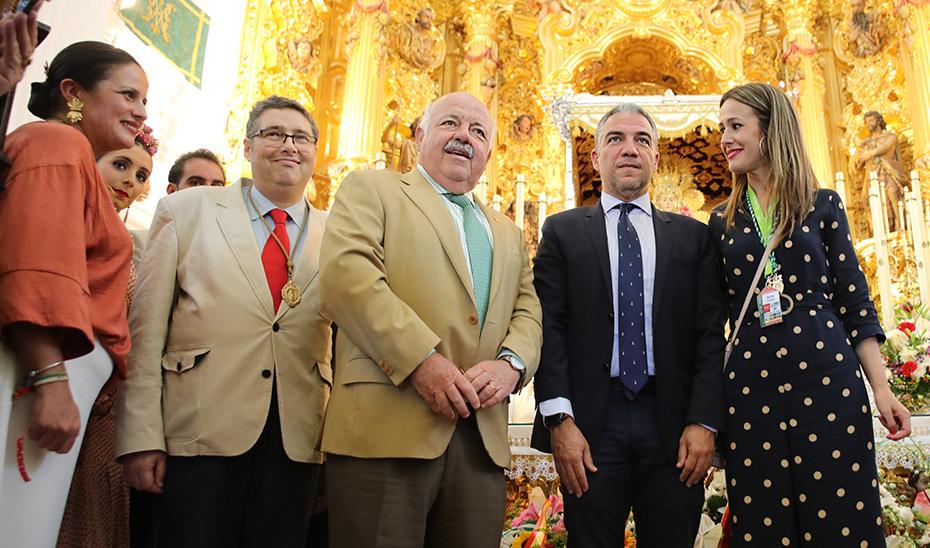 El consejero de Salud dice que la vuelta de la Virgen del Rocío a la aldea será «un exitazo» y hay «expectativas de esperanza» de que el escenario sea adecuado