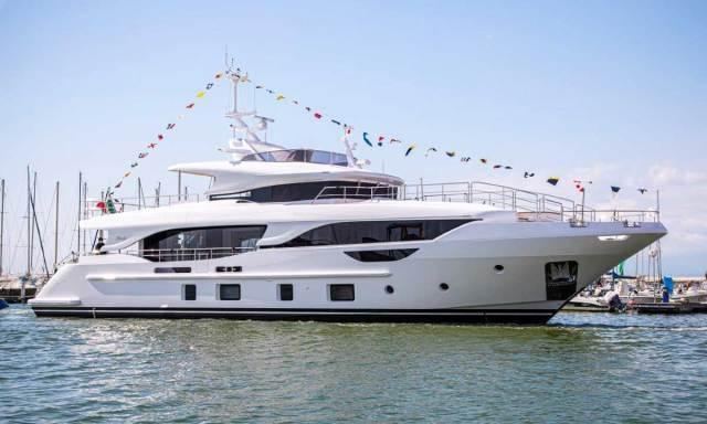 Benetti Yachts: Delfino 95