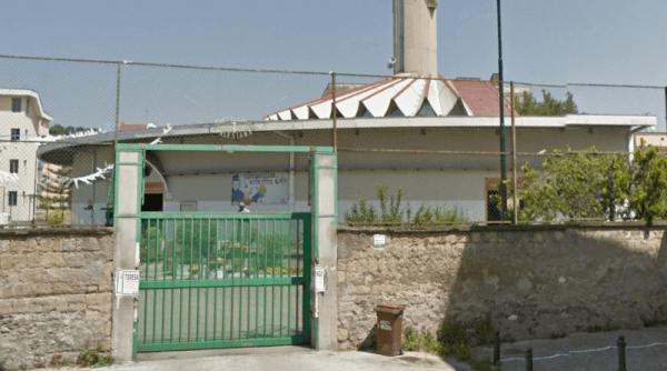 Villa Scuotto a Portici. La spunta il nuovo parroco