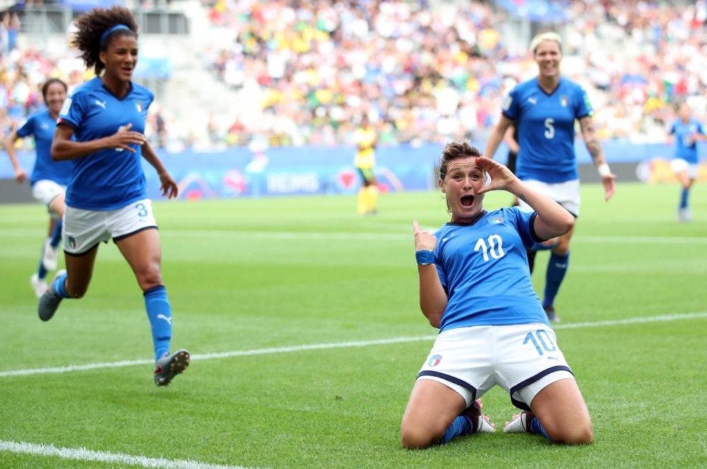 Grande Girelli. Giamaica-Italia 0-5