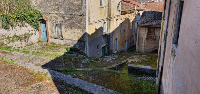 San Pietro al Tanagro: la nuova vita di borgo Serrone