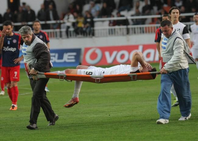 Ατυχία για τον ΟΦΗ – τραυματίστηκε ο Μάντζιος στο 1ο λεπτό!
