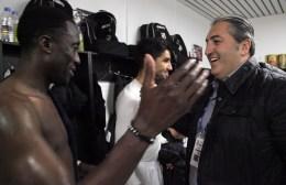 Video | Ο Μπούσης στα αποδυτήρια του ΟΦΗ – τρελαμένος από τη νίκη!