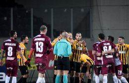 Super League, Λάρισα-Άρης 0-0: Κόλλησαν στο χωράφι