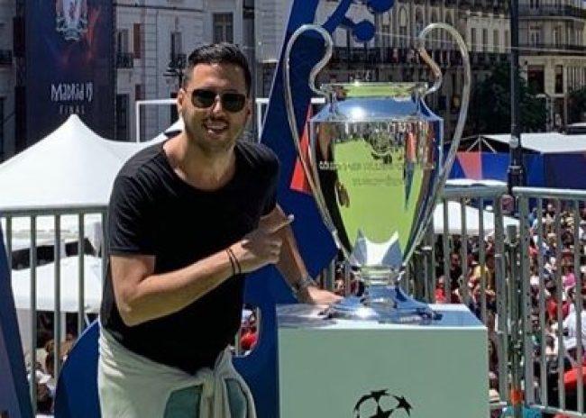 Διπλά στο τρόπαιο του Champions League ο Παλυβός