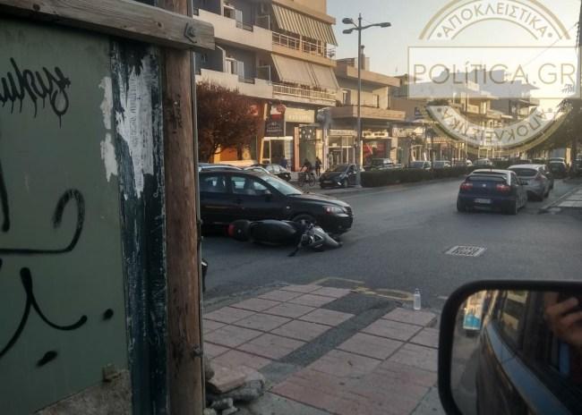 """Ηράκλειο: Τροχαίο στην 62 Μαρτύρων – αυτοκίνητο """"έβαλε από κάτω"""" μηχανή!"""