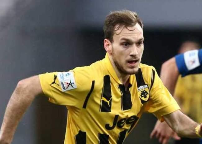 AEK: Πρόβλημα με Μπακάκη