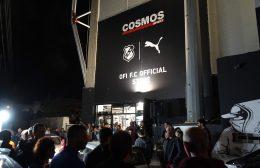 """""""Ασπρόμαυρα"""" Χριστούγεννα: Ο απόλυτος οδηγός για άκρως Ομιλίτικα δώρα στα ΟFI FC Official Store"""
