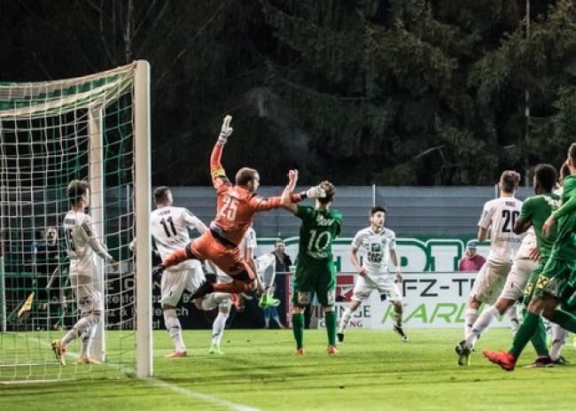 Kορωνοϊός: Σε πλήρως αποστειρωμένο περιβάλλον η επιστροφή των Ελβετών στο γήπεδο