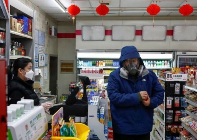 Κορωνοϊός: Υποχρεωτική η μάσκα στα σούπερ μάρκετ για εργαζομένους και πελάτες