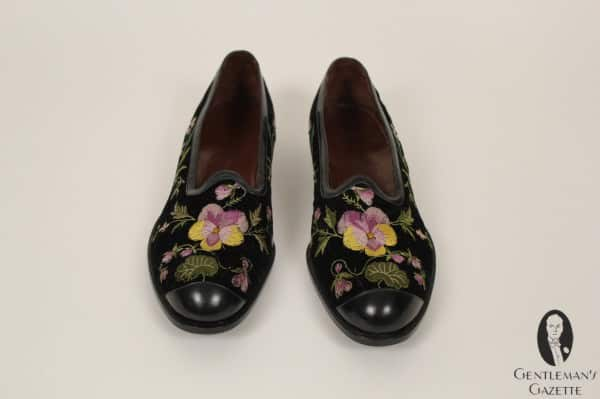 Hand embroidered flowery slippers