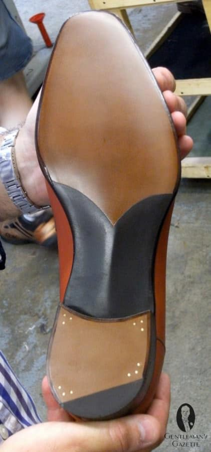 G&G's characteristic sole with fiddleback waist