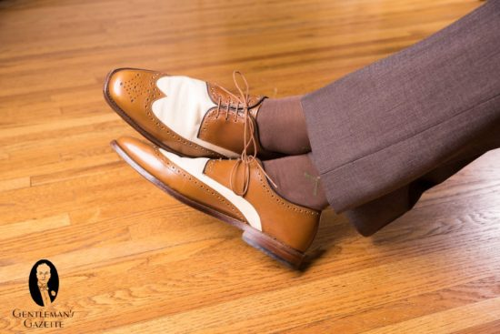 wingtip spectator derby shoes with Mid Brown Socks with Green and Cream Clocks by fort belvedere with brown trousers