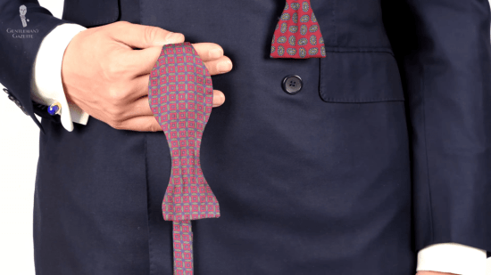 Bow tie with a geometric pattern