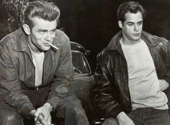 James Dean and Corey Allen wearing quiff/pompadour hairstyles in Rebel Without a Cause.