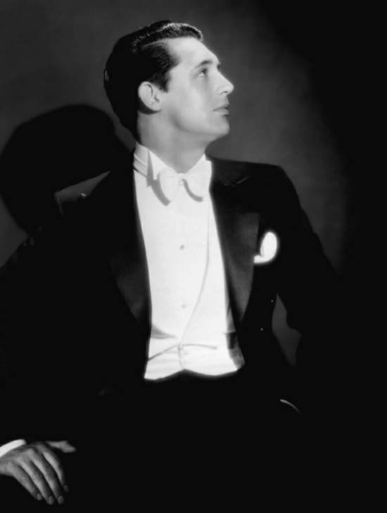 Young Cary Grant in white tie, not the tiny bow tie knot and low profile rounded waistcoat tips